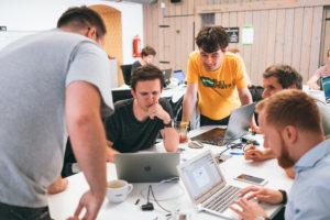 Vítězný tým Design & Data Hackathonu zaujal predikcí vývoje zeleně